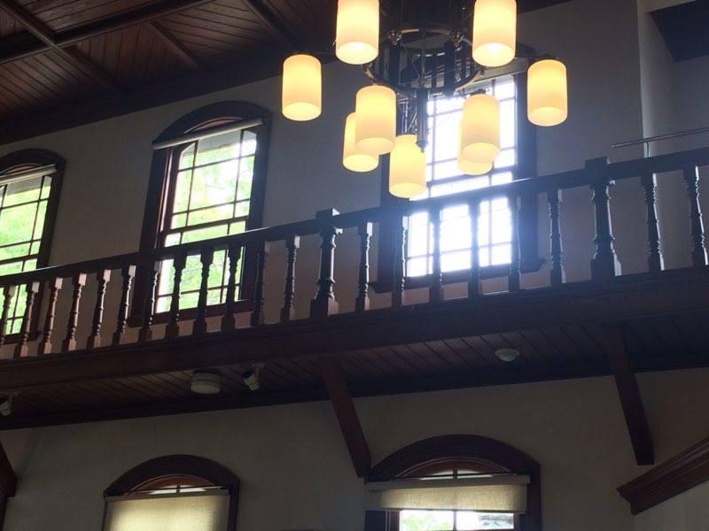 柔らかな光が注ぐ室内。