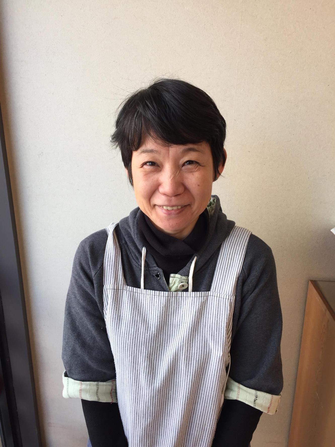 親しみやすく和やかな五代目小野桂子さん。