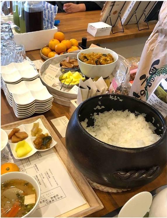 土鍋で炊く佐賀県産の白ご飯は特におすすめです