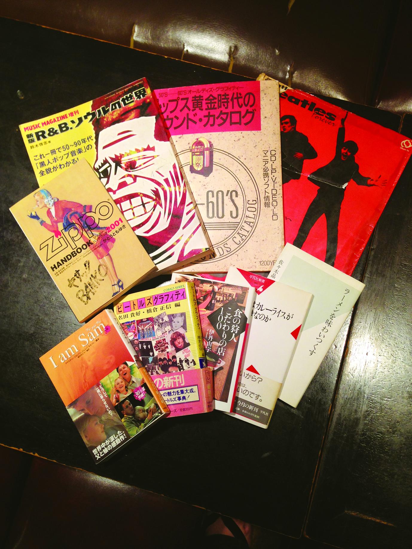 お店には、ビートルズ等音楽関連の本も多く並んでいます