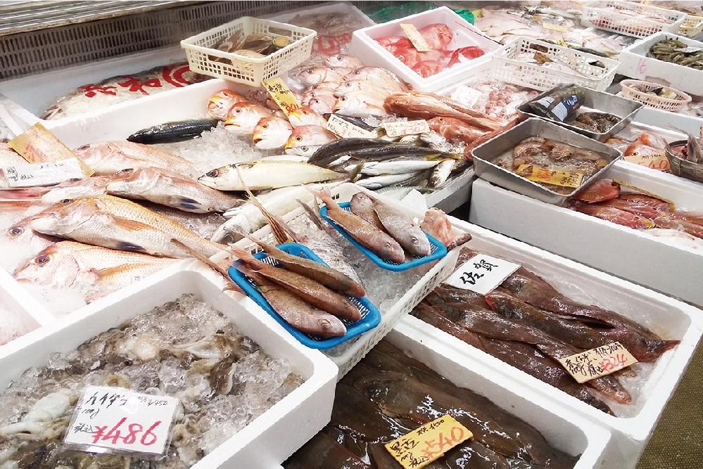 鮮魚売場「小松鮮魚」