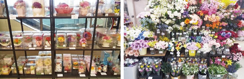 (左)プリザーブドフラワー (右)エスカレーター前には造花