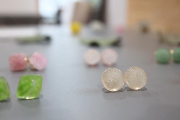 作家さん手づくりのガラス製アクセサリー